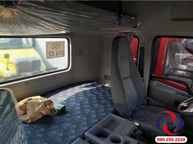 giường nằm sau cabin xe
