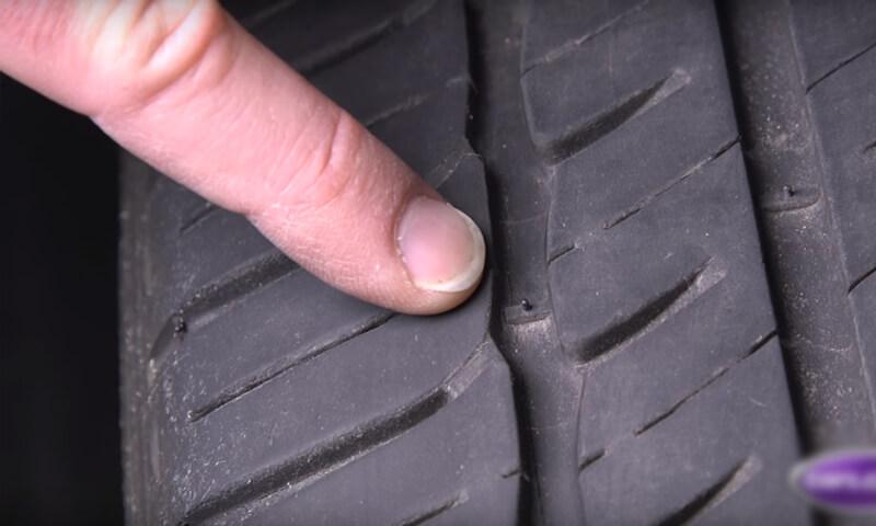 Kiểm tra chiều sâu gai lốp xe