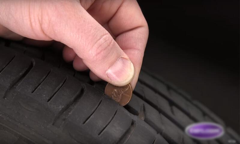kiểm tra độ mòn lốp xe