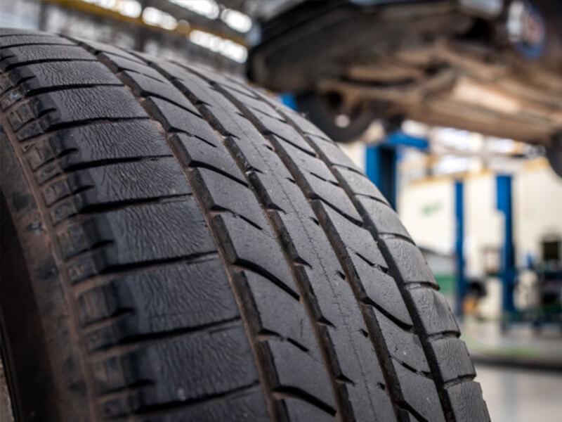 Lốp xe ô tô bao lâu phải thay