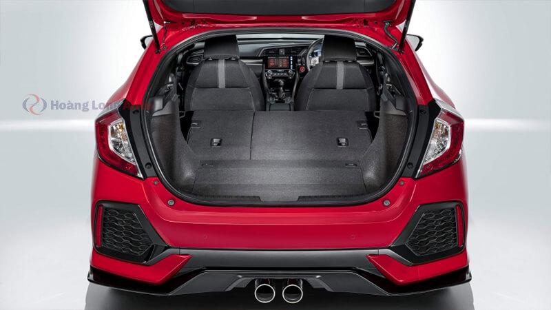 Cửa sau xe Hatchback