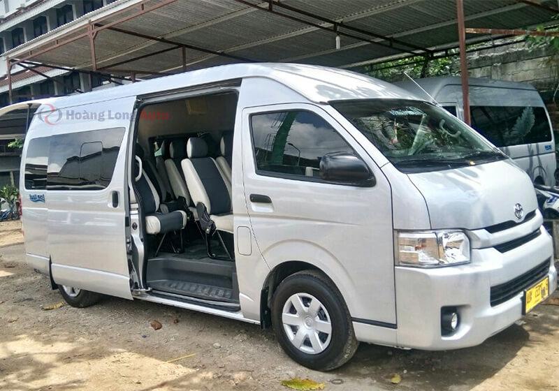 Toyota Hiace- chiếc xe van cở lớn tiêu chuẩn