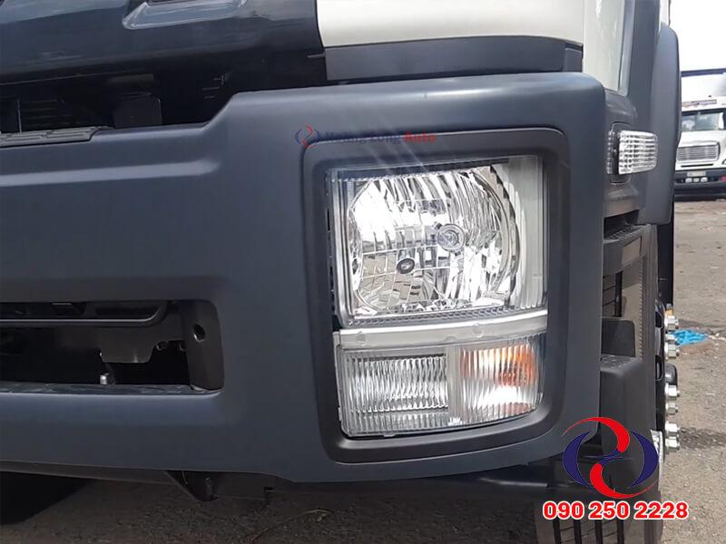 Cụm đèn trước của xe